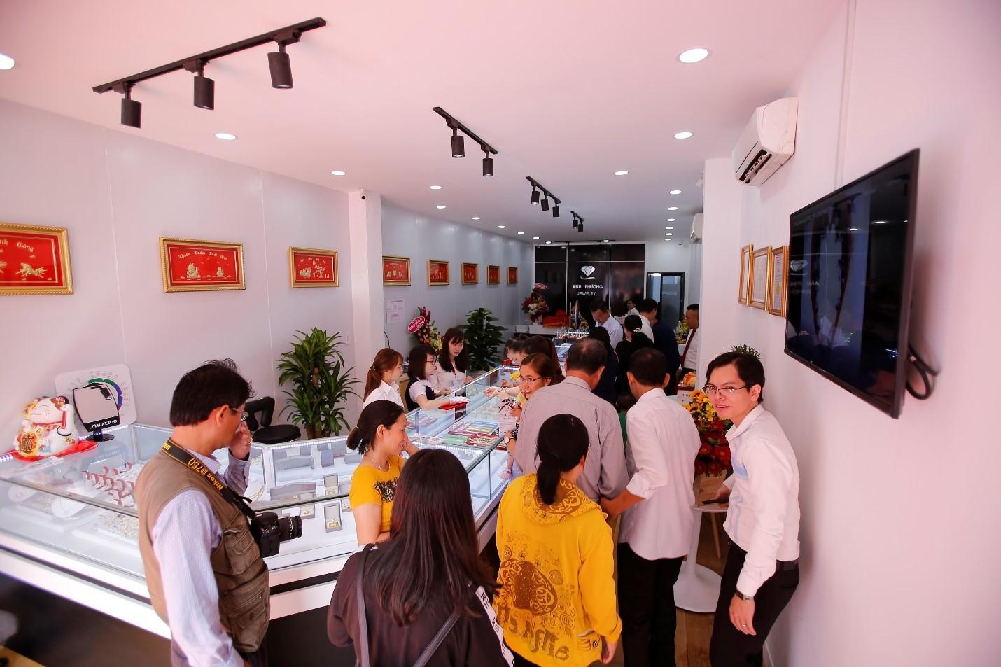 Showroom cửa hàng APJ - Thương hiệu nhẫn cưới đẹp