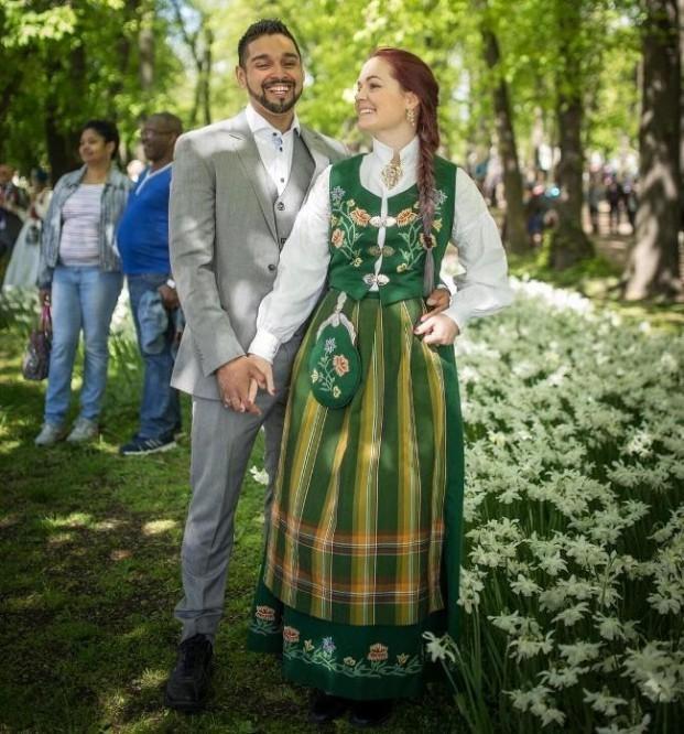 trang phục cưới truyền thống