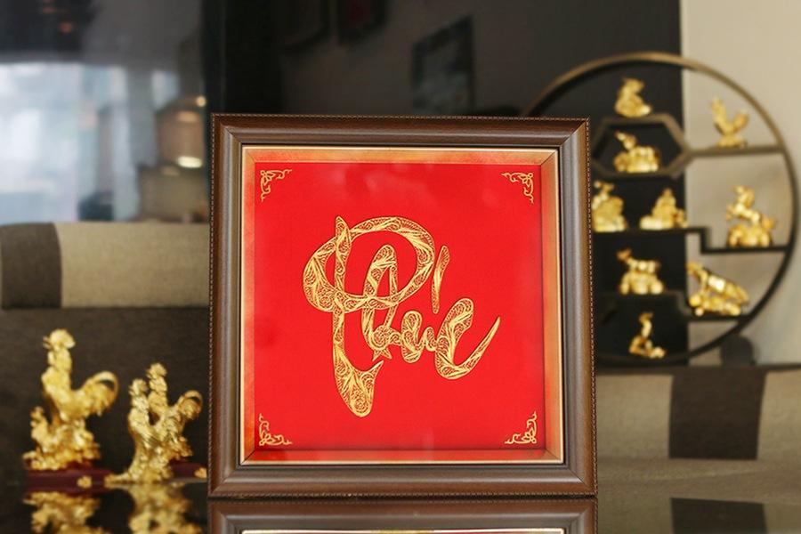 kỷ niệm đám cưới vàng tặng gì