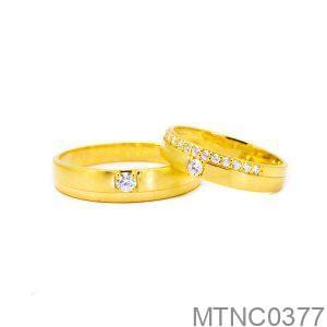 Nhẫn Cưới Vàng Vàng 18K Đính Đá CZ - MTNC0377