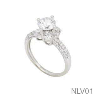 NLV01-1 - Nhẫn đính hôn vàng trắng 10k rẻ đẹp APJ