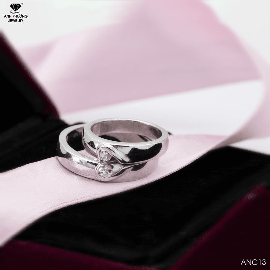 ANC13 Nhẫn cưới vàng trắng 18k kiểu Love đá CZ