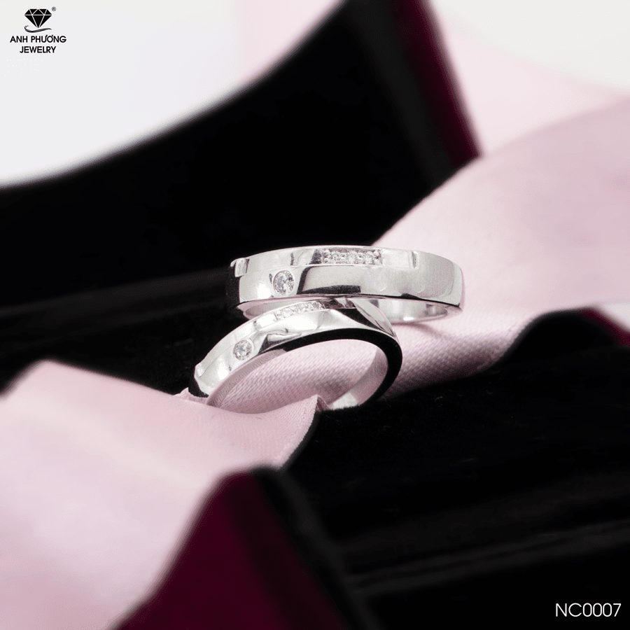 NC0007 Nhẫn cưới vàng trắng 18k