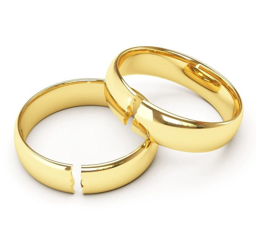 Bạn nên xử lý như thế nào nếu nhẫn cưới không may bị gãy Nh%E1%BA%ABn-c%C6%B0%E1%BB%9Bi-b%E1%BB%8B-g%C3%A3y-e1579015253317