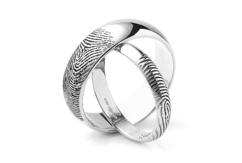 Nhẫn cưới khắc dấu vân tay