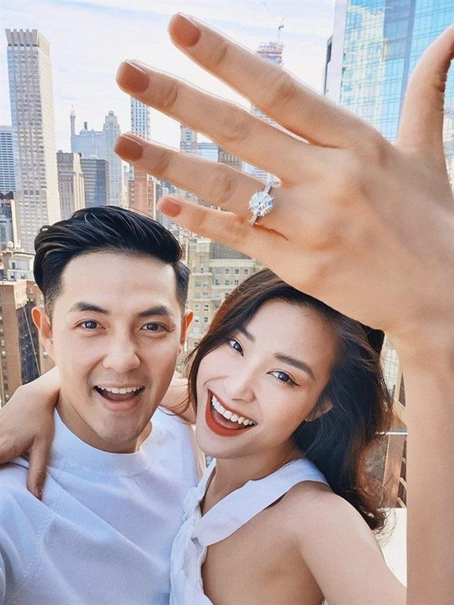 Nhẫn đính hôn của Sao Việt Đông Nhi