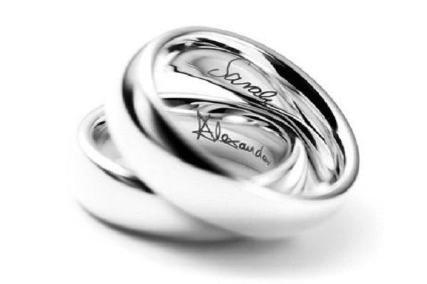 Nhẫn cưới khắc tên 1