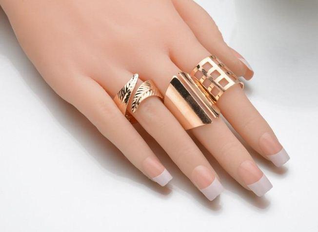 Nhẫn nữ mang cả bộ