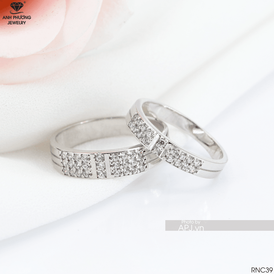 Mẫu nhẫn cưới vàng trắng đep hoàn mỹ RNC39
