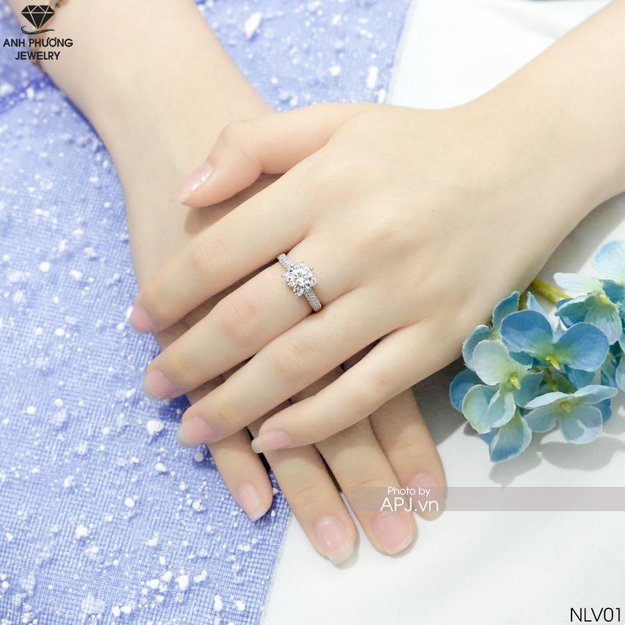 NLV01 Nhẫn đính hôn vàng trắng cầu hôn người yêu