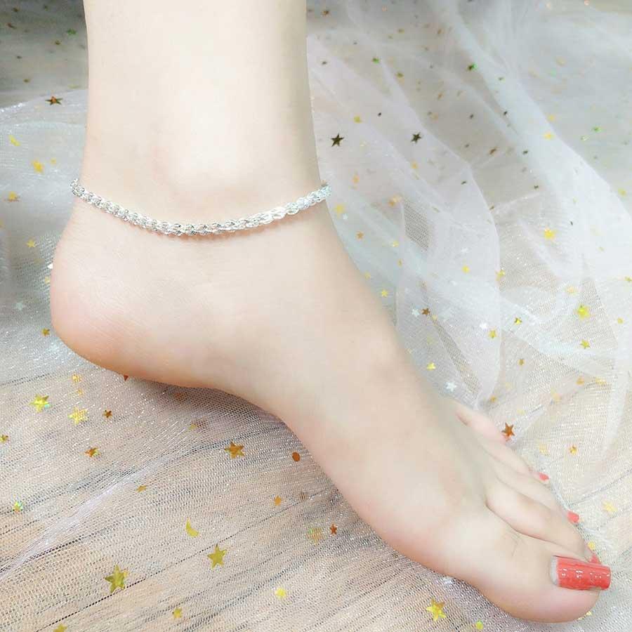 Đeo lắc chân nữ sao cho đẹp?