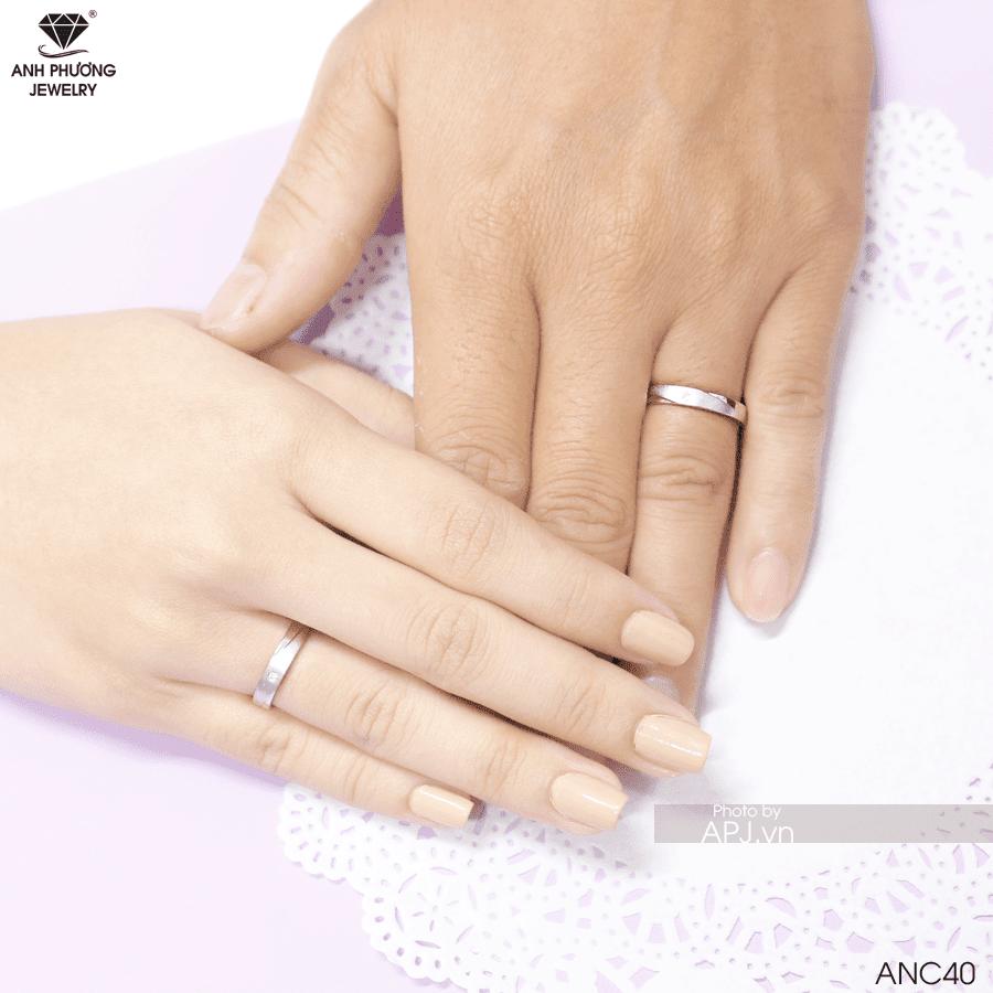 Nhẫn cưới vàng gì
