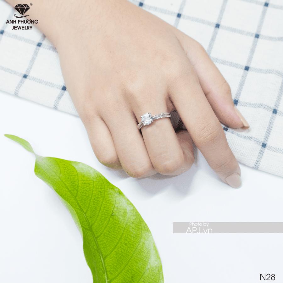 Nhẫn đính hôn bạch kim N28
