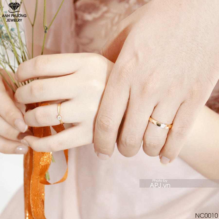 Nhẫn cưới vàng hoa văn NC0010