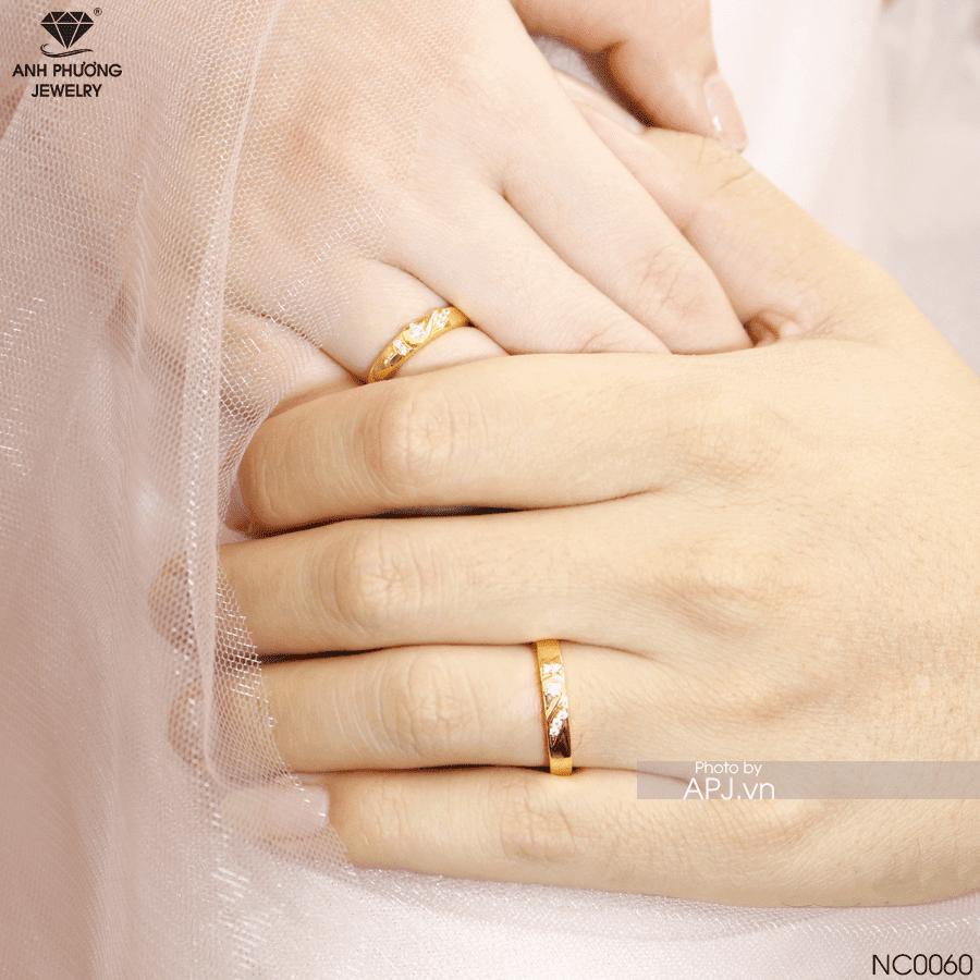 Nhẫn cưới vàng hoa văn NC0060