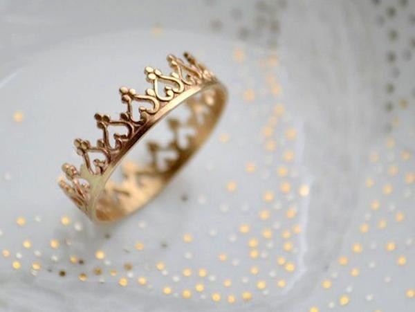 Nhẫn cưới vương miện đẹp