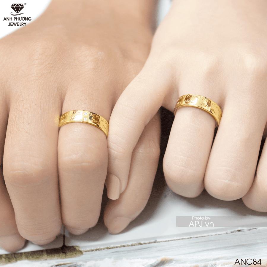 Có nên mua nhẫn cưới online không?