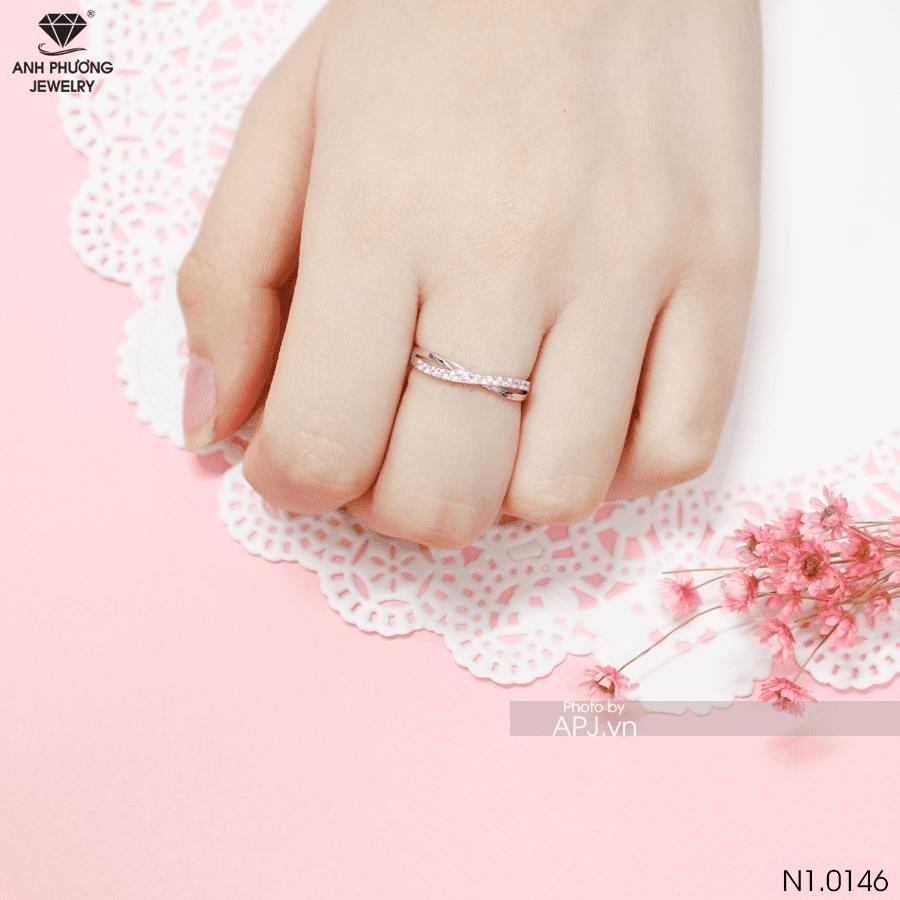 Nhẫn vàng nữ trơn – xu hướng lựa chọn của phái đẹp