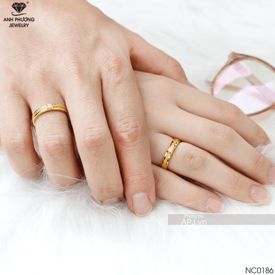 nhẫn cưới nên chọn vàng màu gì NC0186