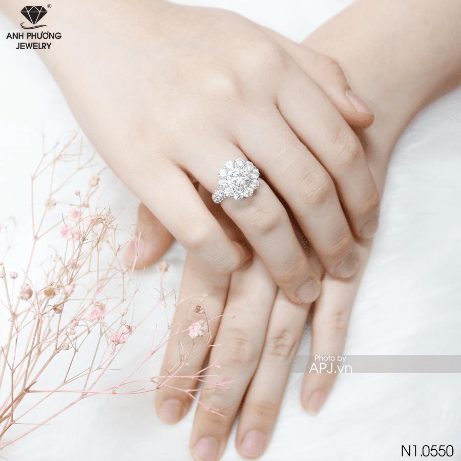 Nhẫn nữ vàng trắng 10k đính đá CZ