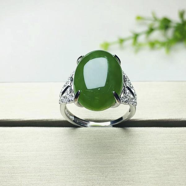 Nhẫn cẩm thạch nữ có ý nghĩa gì? - 2