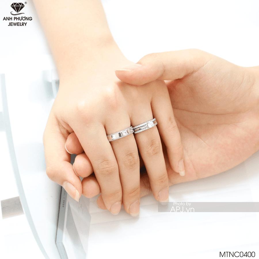 nhẫn cưới truyền thống vàng trắng