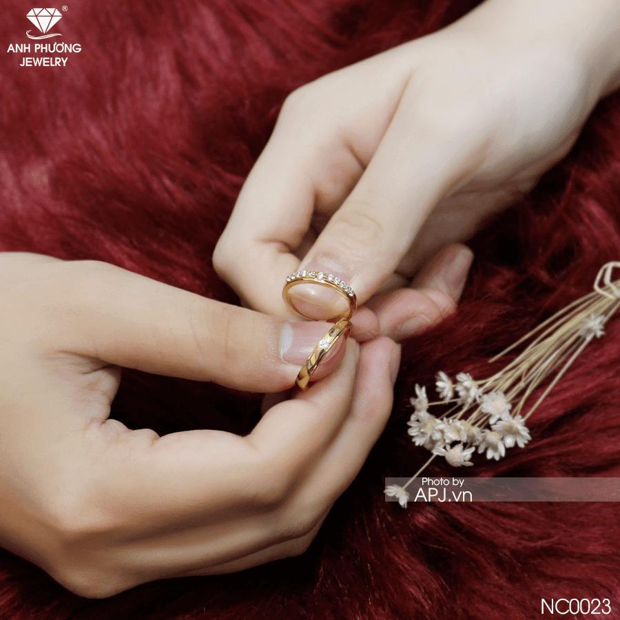 Nên mua nhẫn cưới trước bao lâu?