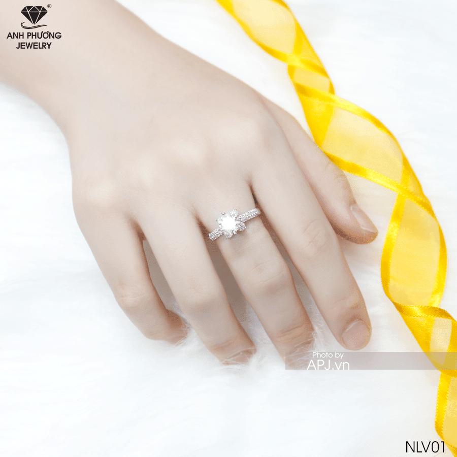nhẫn nữ đẹp vàng trắng