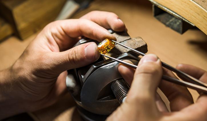 Dịch vụ sửa chữa trang sức vàng bạc tại APJ 3
