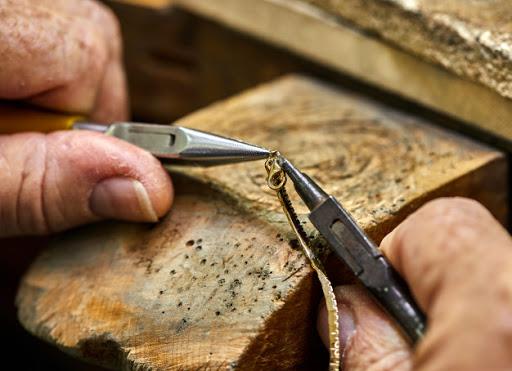 Dịch vụ sửa chữa trang sức vàng bạc tại APJ