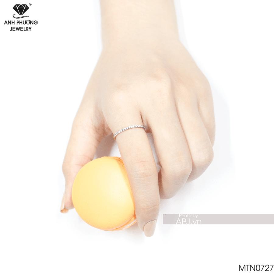 nhẫn đeo ngón trỏ nữ đơn giản