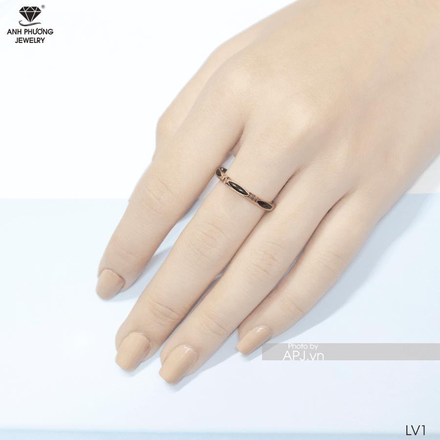 Mẫu nhẫn lông đuôi voi đẹp cho nữ
